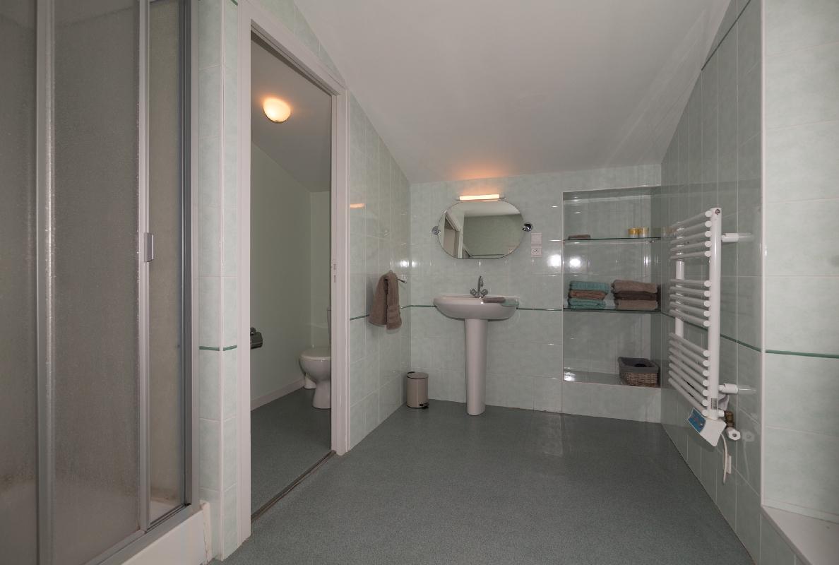 img Salle de bain chambre 1